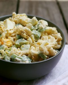 This boiled egg tuna macaroni salad recipe is an easy lunch recipe. It can be made quickly and has a nice crunch thanks to the diced green peppers. | honeyandbirch.com