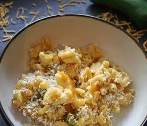 Baked Jalapeno Macaroni and Cheese | www.honeyandbirch.com