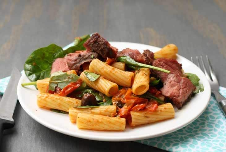 This recipe for grilled steak and pasta with roasted vegetables is perfect for summer grilling! | honeyandbirch.com