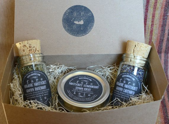 Fare Isle Artisanal Preserves & Nantucket Grown Herbs Gift Set | 5 Etsy Shops for Food Gifts