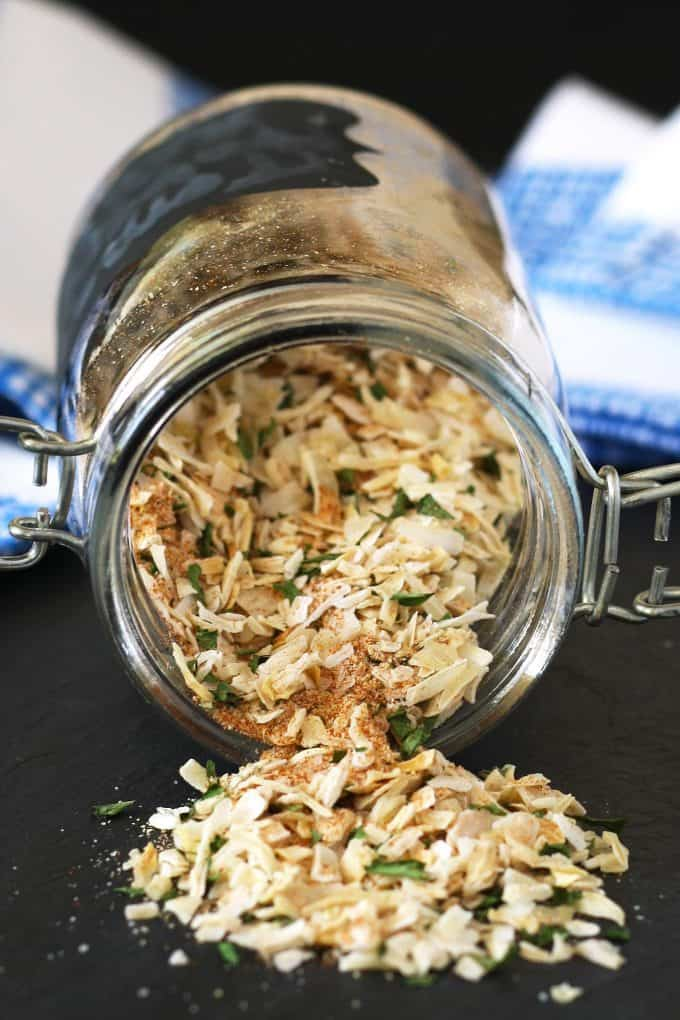 homemade onion soup mix in a jar