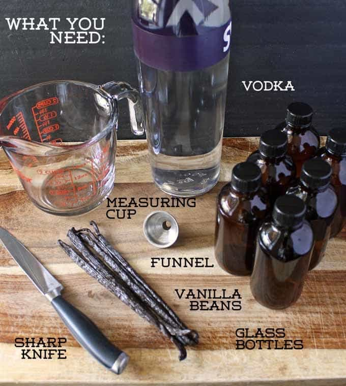 Make Your Own Vanilla Extract - This easy Kitchen #DIY is great for #gifts. | Honey and Birch