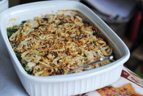 8 Great: Thanksgiving Dinner Edition | 8 Great Green Bean Casserole Recipes | www.honeyandbirch.com