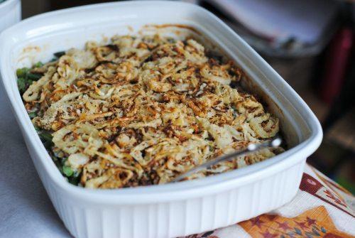 8 Great: Thanksgiving Dinner Edition | 8 Great Green Bean Casserole Recipes | www.honeyandbirch.com