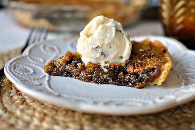 8 Great: Thanksgiving Dinner Edition | 8 Great Pecan Pie Recipes