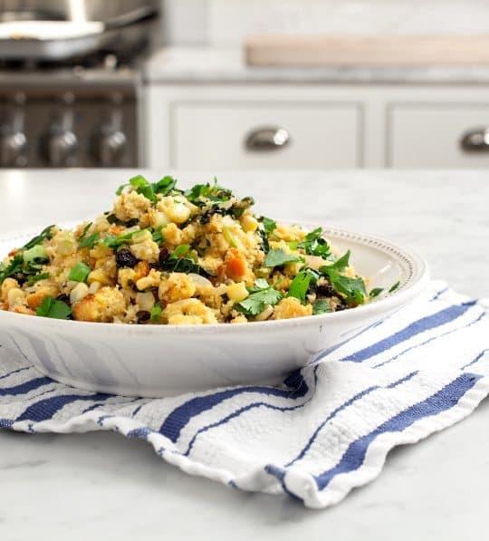 8 Great: Thanksgiving Dinner Edition | 8 Great Stuffing Recipes | www.honeyandbirch.com