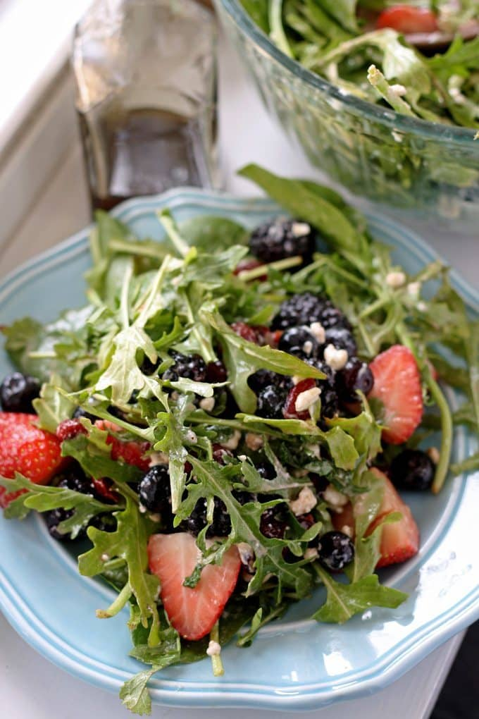 Berry and Goat Cheese Salad | www.honeyandbirch.com | #healthy
