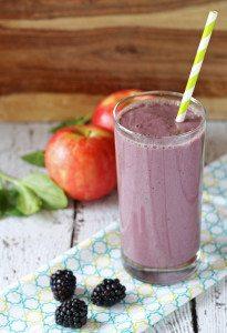 Blackberry Apple Smoothie www.honeyandbirch.com #myberrysmoothie #healthy