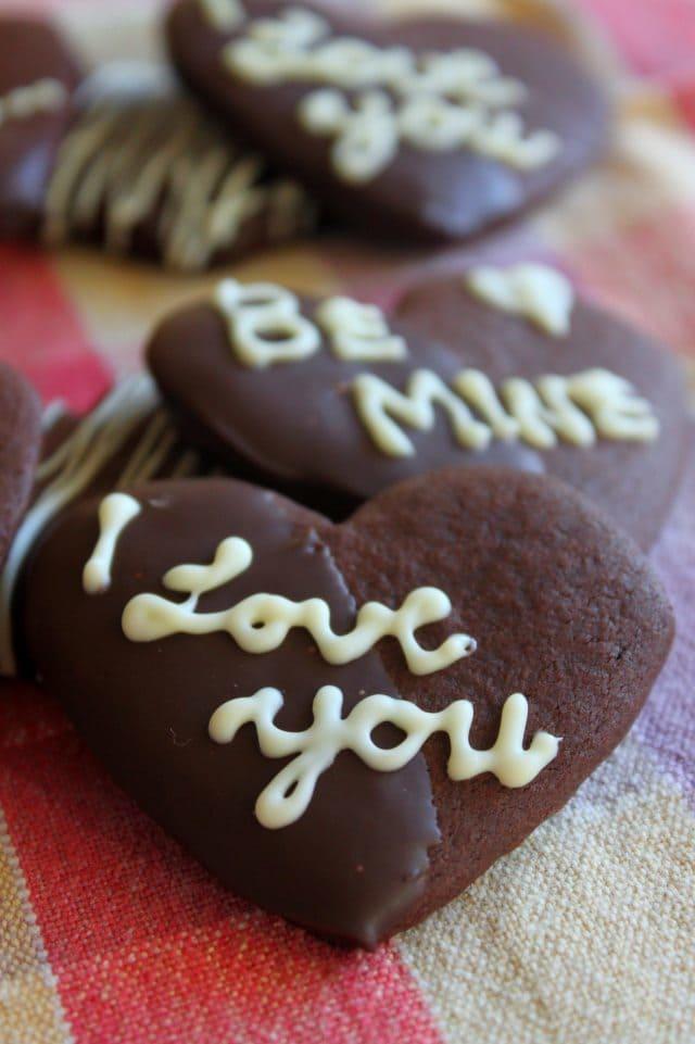 Chocolate Desserts for Valentine's Day   www.honeyandbirch.com   #vday #chocolate
