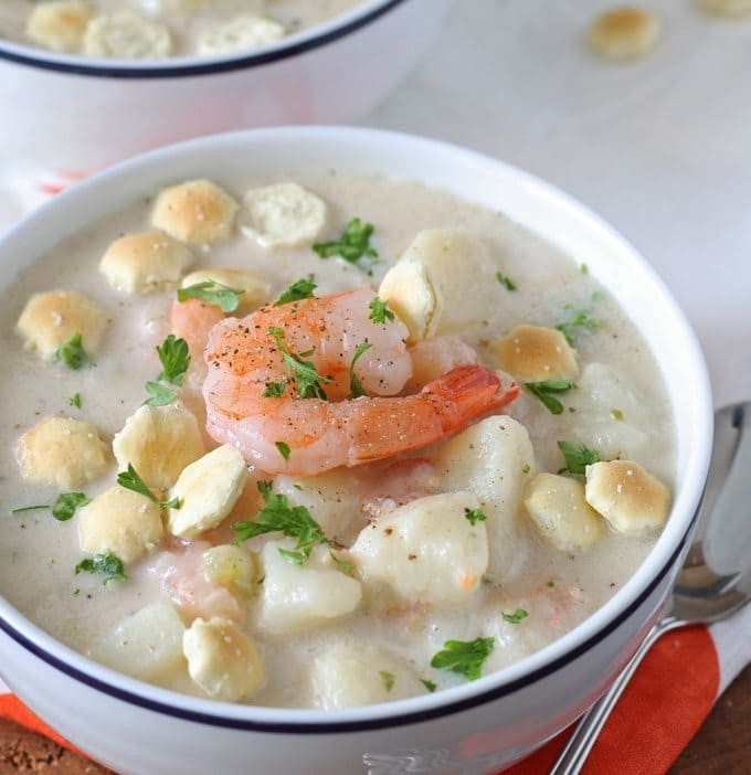 Shrimp and Potato Chowder | Perfect way to warm up on a chilly day! www.honeyandbirch.com #soup #seafood