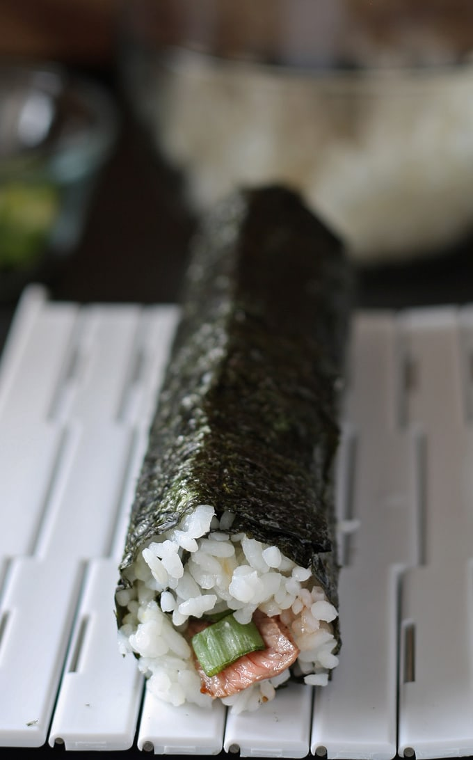 Steak Sushi Recipe and SushiQuik Review | www.honeyandbirch.com | #affiliate #review #sushi
