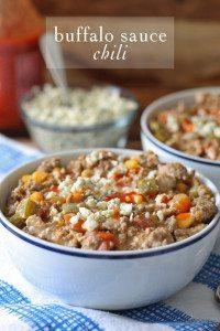 Buffalo Sauce Chili   www.honeyandbirch.com #soup