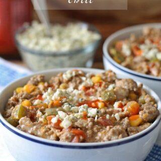 Buffalo Sauce Chili | www.honeyandbirch.com #soup
