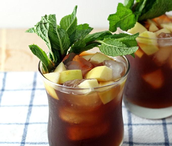 Apple Mint Iced Tea Cocktail   honeyandbirch.com