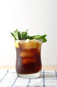 Apple Mint Iced Tea Cocktail | honeyandbirch.com