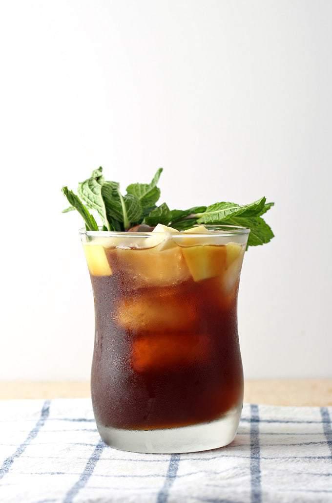 Apple Mint Iced Tea Cocktail