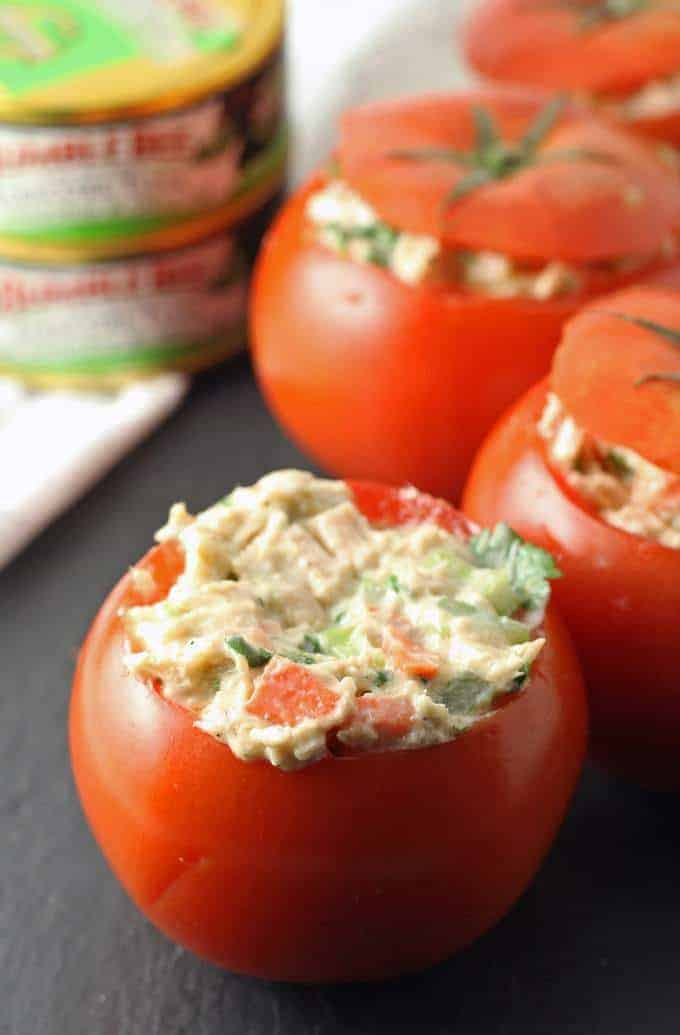 Jalapeno Tuna Stuffed Tomato Recipe - perfect for a quick lunch! | honeyandbirch.com #TunaStrong #CG