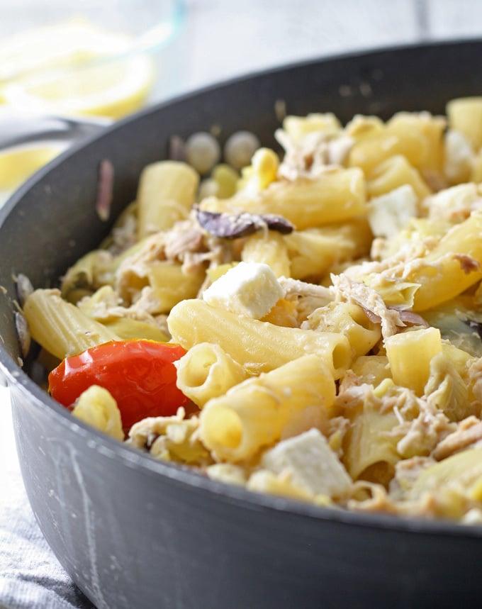 one-pot-mediterranean-chicken-feta-pasta-1