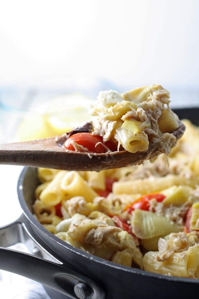 one-pot-mediterranean-chicken-feta-pasta-4