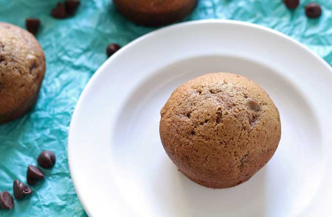 This chocolate orange muffin recipe is great for breakfast, or dessert. Grab a muffin and a glass of milk. | honeyandbirch.com