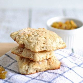 Golden Raisin Scones | honeyandbirch.com