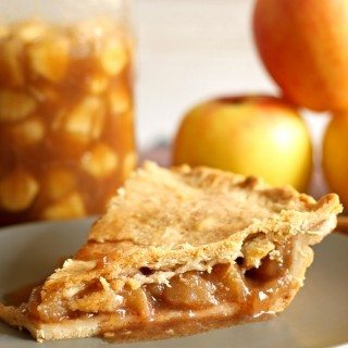 Homemade Apple Pie Filling | honeyandbirch.com #autumn