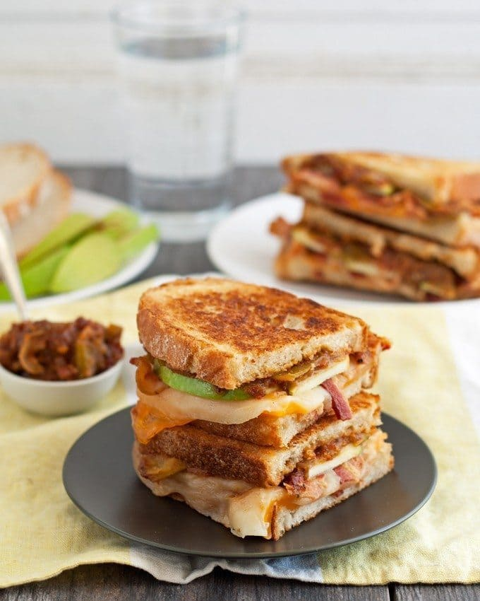 Spicy Apple Bacon Grilled Cheese Sandwiches - get ready to add some heat to your lunch with this delicious sandwich. The sweet and spicy apple relish is my favorite part! | honeyandbirch.com