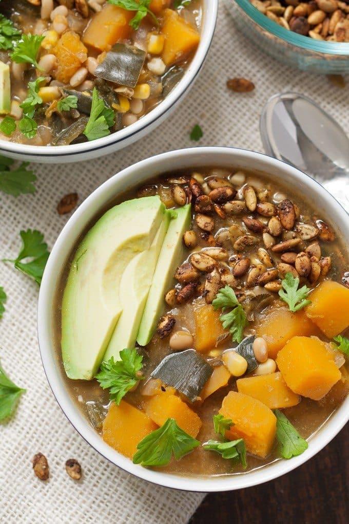 Dairy Free White Bean Butternut Squash Chili - perfect for tailgating! | honeyandbirch.com