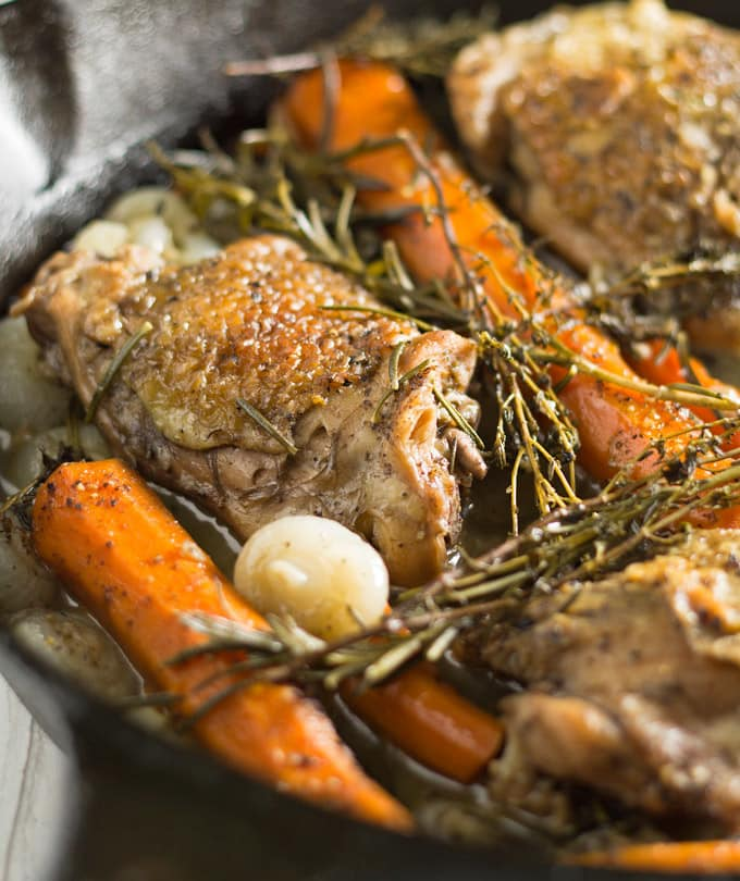 Grab a plate and a fork, cause you're going to want to dig in to this tea braised chicken thighs dinner! I see many delicious Sunday suppers in your future. | honeyandbirch.com