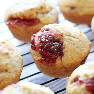 Easy Muffins Filled with Jam
