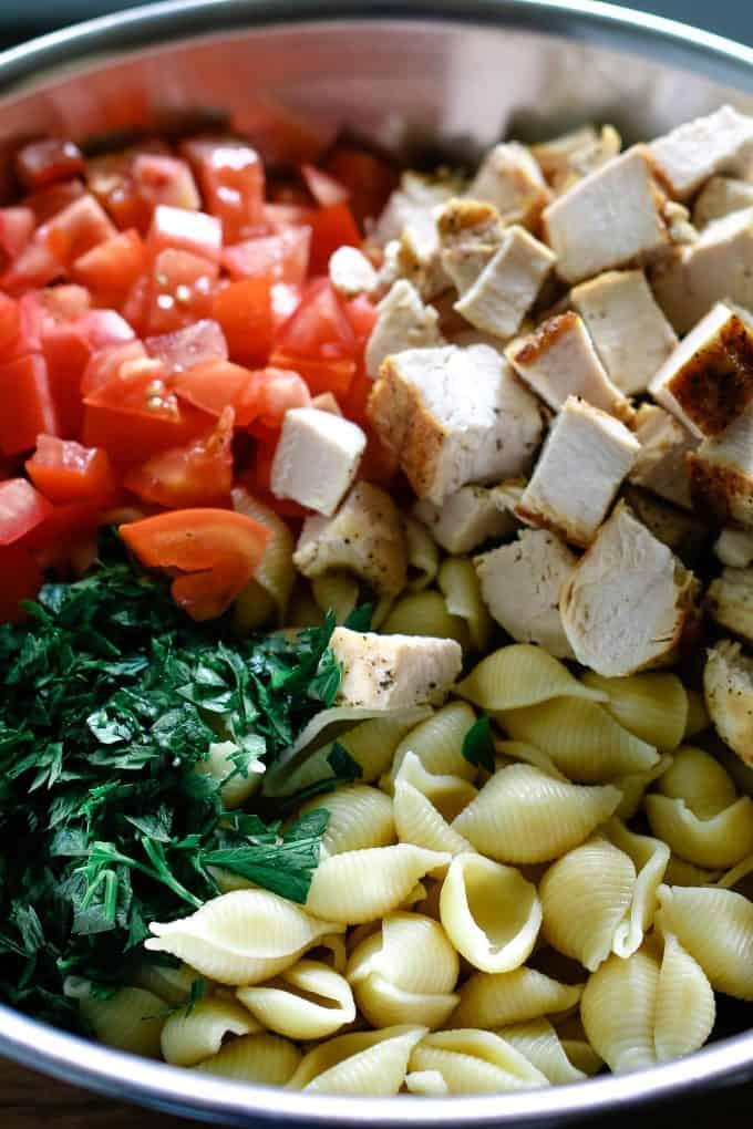 ingredients of chicken ranch pasta salad