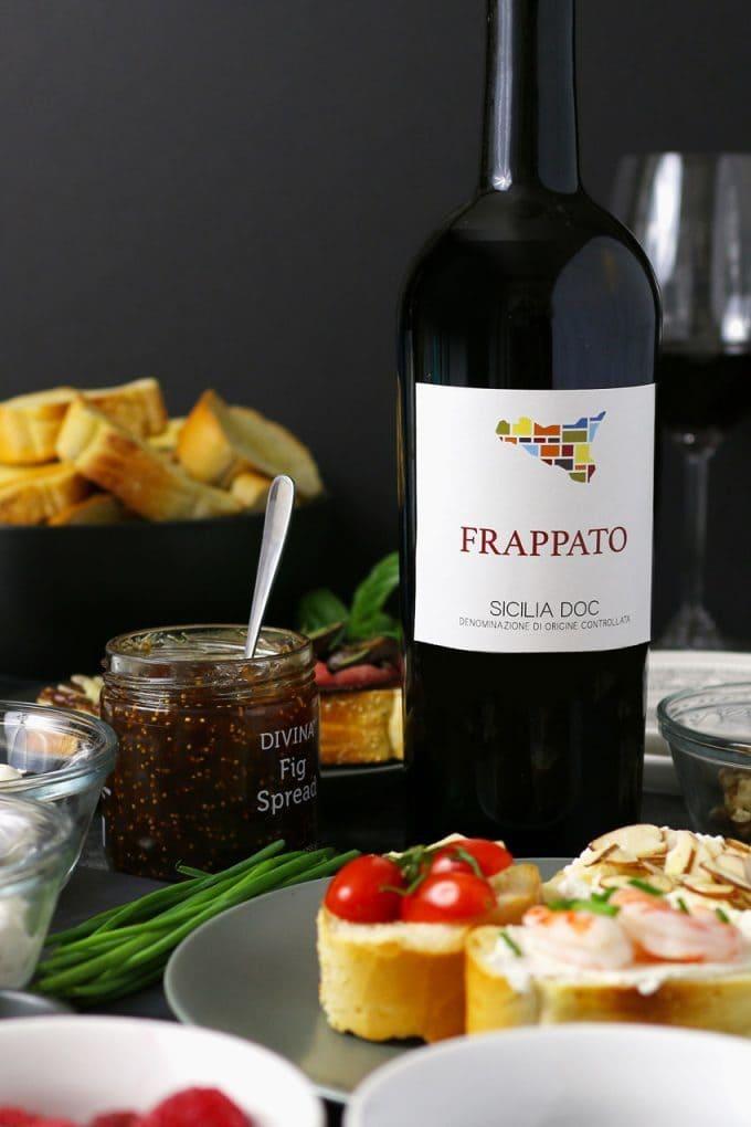 close photo of frappato bottle