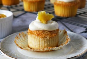 White Cupcakes with Lemon Frosting