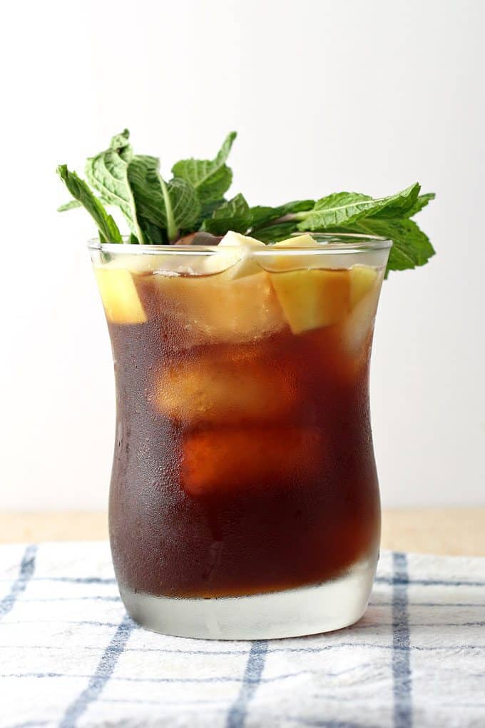 picture of apple mint iced tea cocktail