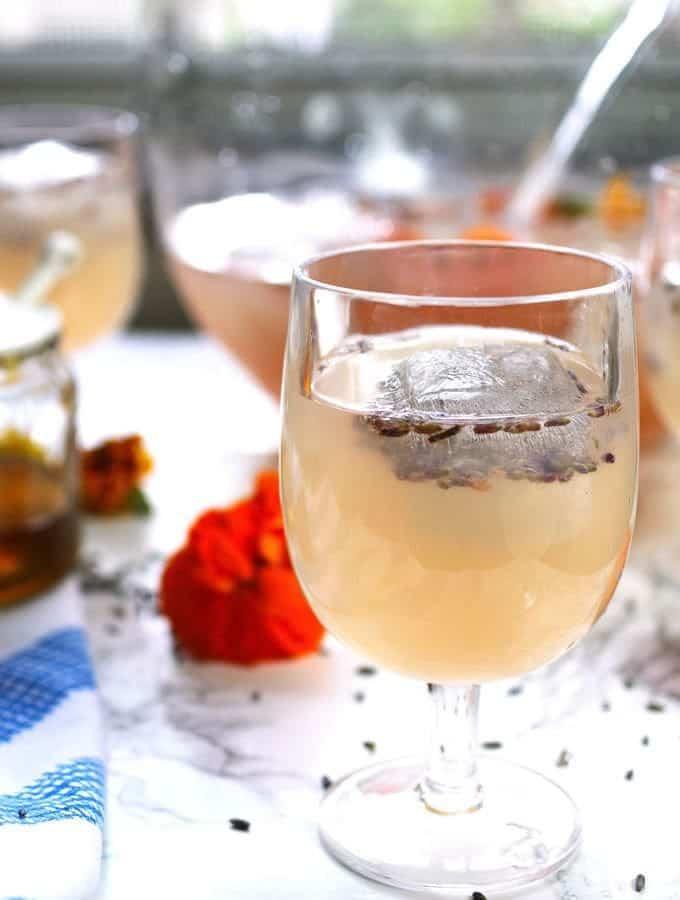 Best Honey Recipes - Boozy Honey Lavender Lemonade