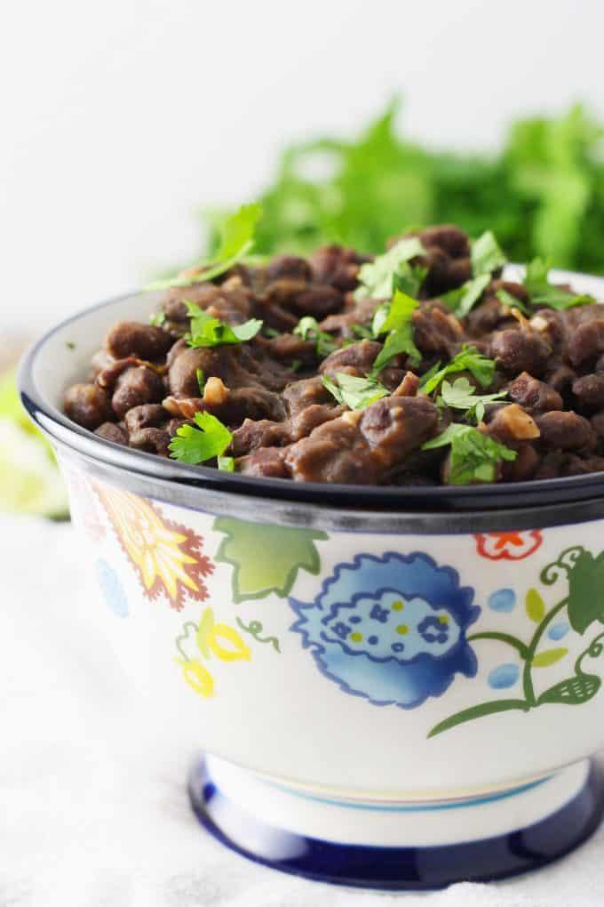 seasoned black beans with cilantro