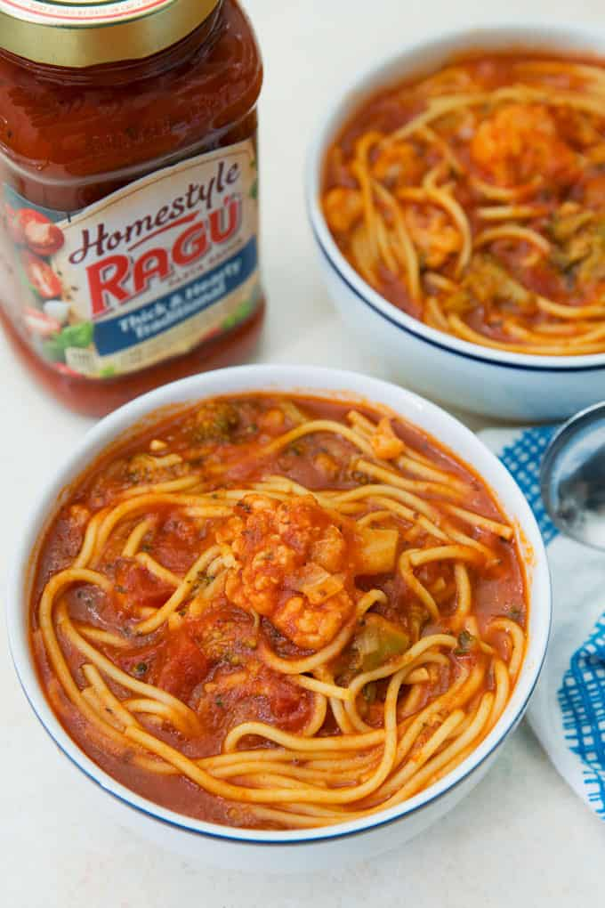 picture of two bowls of instant pot spaghetti soup