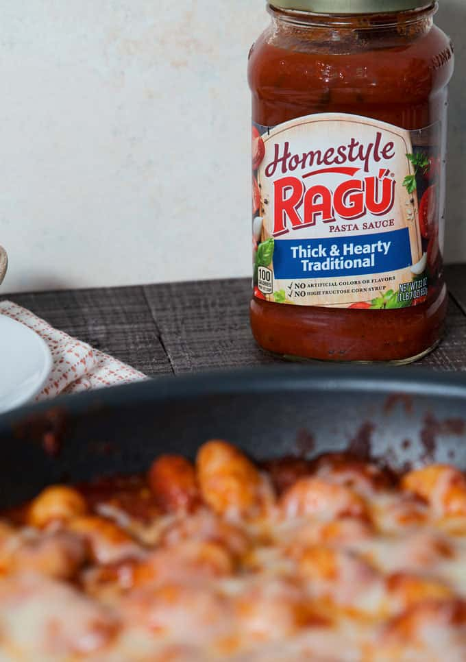jar of ragu homestyle thick and hearty traditional spaghetti sauce