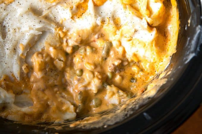 picture of slow cooker shepherds pie in a crockpot
