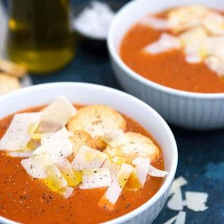 Roasted Garlic Tomato Soup