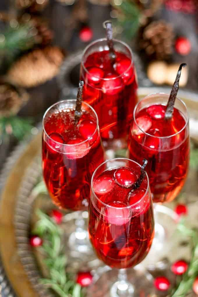 vanilla cranberry mimosa the perfect easy holiday cocktail. Black Bedroom Furniture Sets. Home Design Ideas