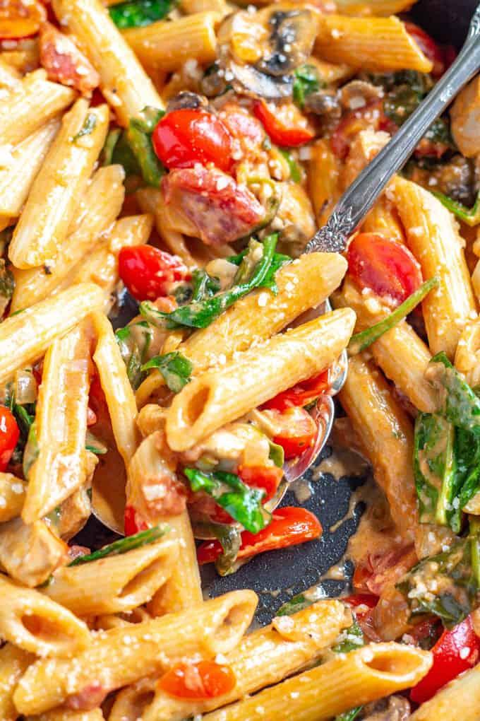 18 Easy Pasta Dinner Recipes - Creamy Tomato Penne