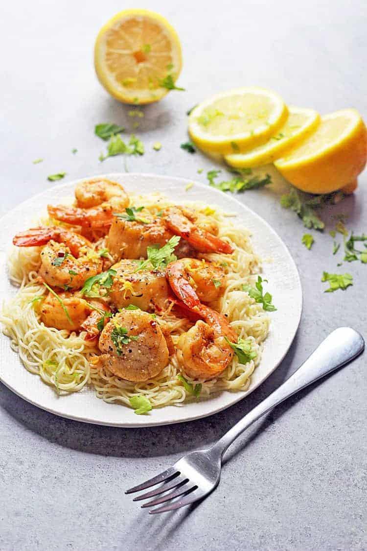 18 Easy Pasta Dinner Recipes - Scallop and Shrimp Scampi