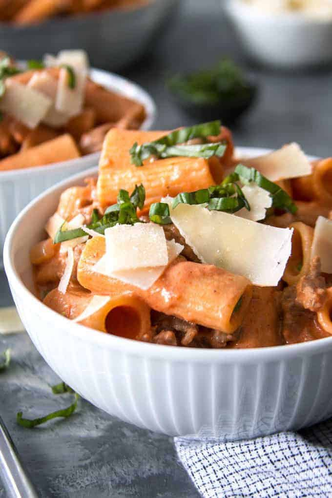 18 Easy Pasta Dinner Recipes - Country-Style Rigatoni