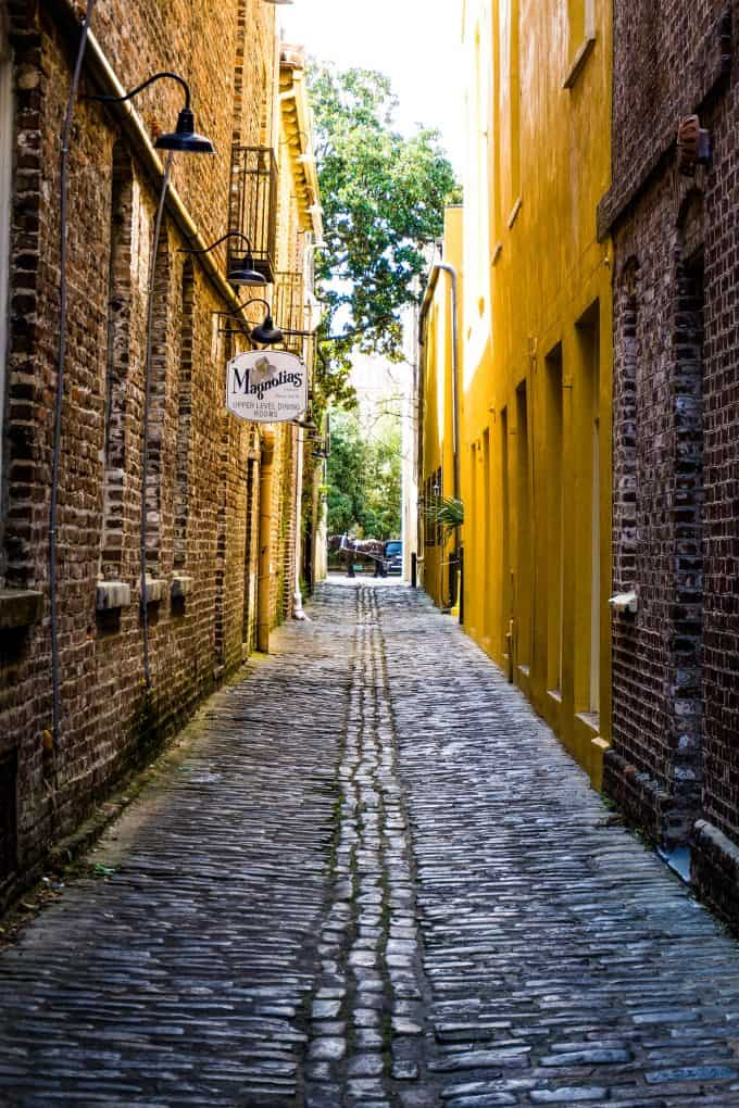 The Best Downtown Charleston Restaurants - Magnolia's alleyway