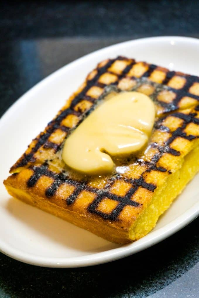 The Best Downtown Charleston Restaurants - Magnolia's grilled buttermilk cornbread