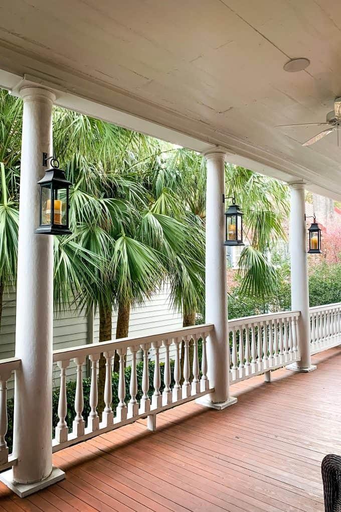 The Best Downtown Charleston Restaurants - Zero veranda